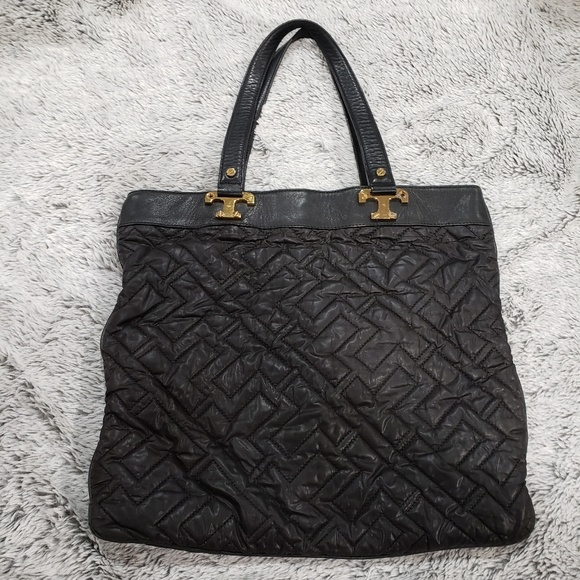 Tory Burch Handbags - TORY BURCH Black Quilted Tote
